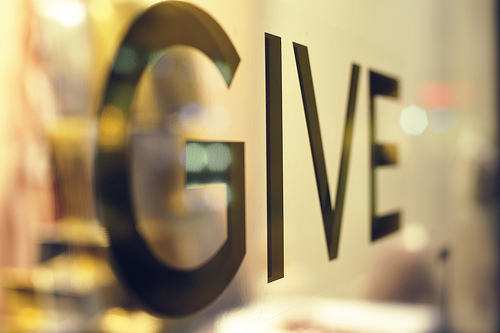 Give_2