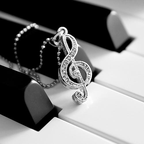 Treble clef piano
