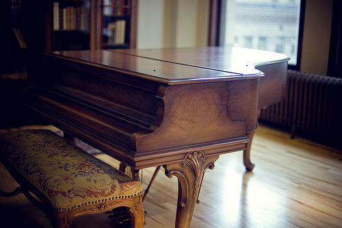 Old_piano_2
